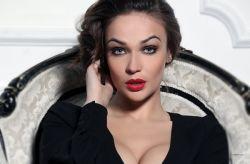 Алена Водонаева выпустит собственную книгу